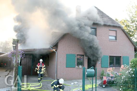 Garage mit carport am haus  Garage und Carport in Barßel in Flammen - General-Anzeiger