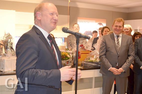 Moebel Luebbering lübbering eröffnet küchenstudio in papenburg general anzeiger
